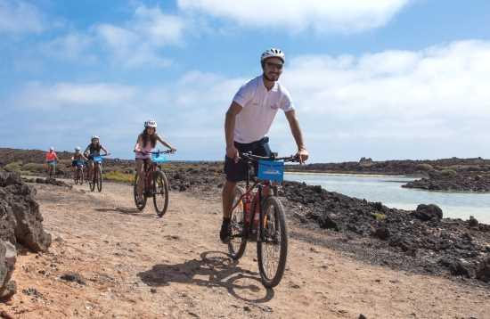 Boot & e-bike Isla de Lobos Fuerteventura